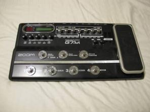 Zoom G7.1ut tube Guitar Effects unit... first 75.00 takes it!!!!!!
